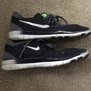 Nike Free 5.0 in black/grey/green size 7.5